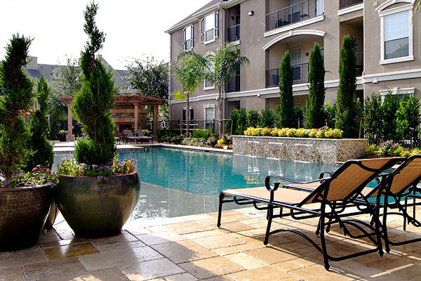 commercial_landscape_pool