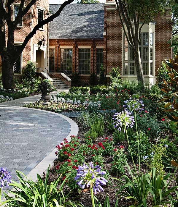 outdoor-elements-residential-landscape-front-yard