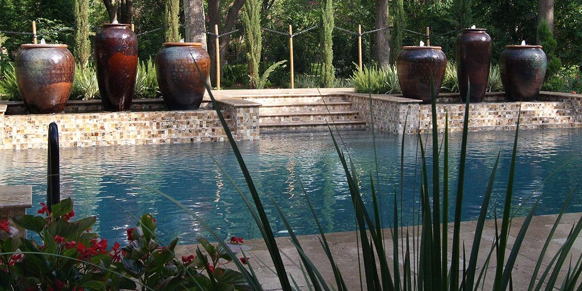 outdoor_elements_pots_pool_1200x800
